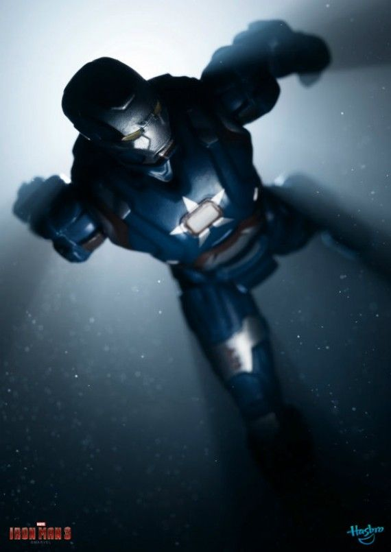 Iron Man 3 Toys Iron Patriot Armor 570x805 Iron Man 3 Toys   Iron Patriot Armor