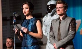 Jennifer Lawrence and Josh Hutcherson in Hunger Games Catching Fire 280x170 Hunger Games: Catching Fire Images: Katniss, Finnick, Gale, Peeta, Haymitch & More [Re Updated]