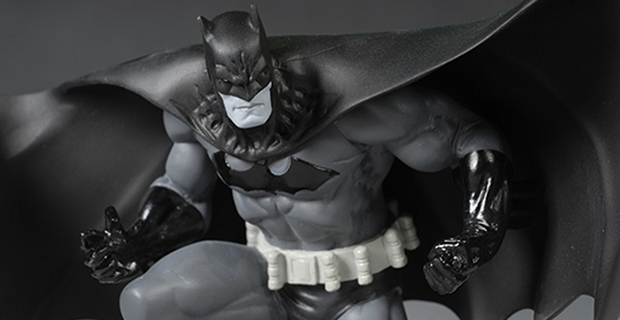 Jim Lee Batman Black and Gray Costume Batman vs. Superman Rumor: There Will Be Two Batman Costumes