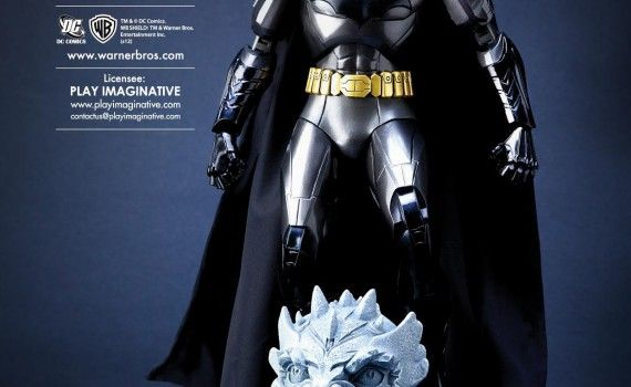 Jim Lee Batman vs. Superman Armor Costume 2 570x350 Batman vs. Superman Rumor: There Will Be Two Batman Costumes
