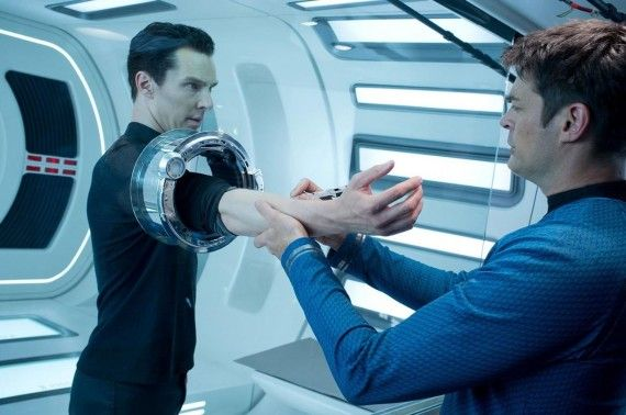 John Harrison Examined by Bones McCoy Star Trek Into Darkness 570x378 Star Trek Into Darkness Review