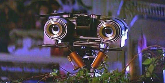 Johnny 5 Short Circuit 570x288 Our 20 Favorite Movie Robots