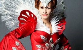 Julia Roberts as Snow Whites stepmother 280x170 Snow White Images Tease A Stylized Fairy Tale Re Imagining