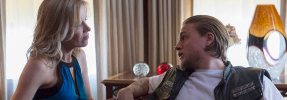 Kim Dickens and Charlie Hunnam in SoA Straw Sons of Anarchy Season 6 Premiere Review