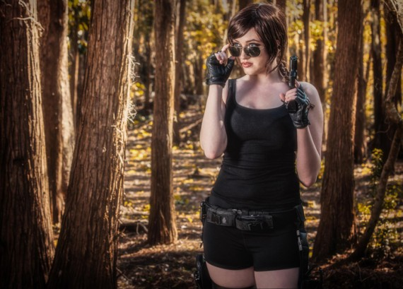Lara Croft Cosplay 570x409 SR Geek Picks: Supermans Bad Day, Iron Man 3 Deleted Scene, TMNT Facts & More