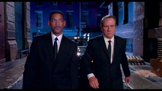 MIB3021 570x320 Will Smith and Tommy Lee Jones as agents 'J' and 'K' in 'Men in Black 3′