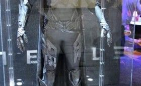 Man of Steel Faora Costume Expo Display 280x170 Man of Steel Costume Photos: Kryptonian Fashion Re Imagined