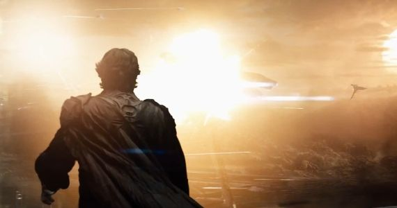 Man of Steel Full Trailer Spoilers Zack Snyder Talks Violent Flight in Man of Steel & Cavill Wearing the Original Suit