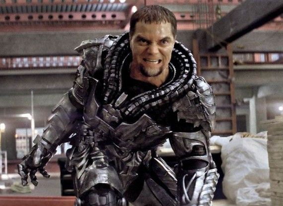 Man of Steel General Zod armor 570x415 Man of Steel: General Zods Armor & Viral Message Revealed [Updated]