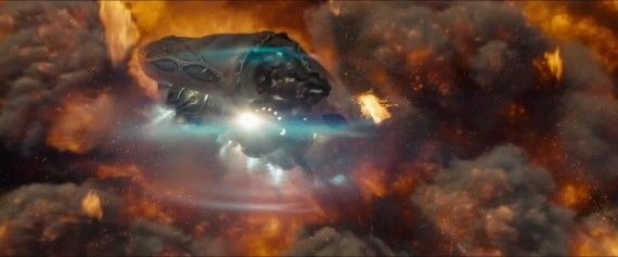 Man of Steel Trailer Images Kryptonian Spaceships Escape Krypton 570x237 Man of Steel Prequel Comic Answers Some Big Questions