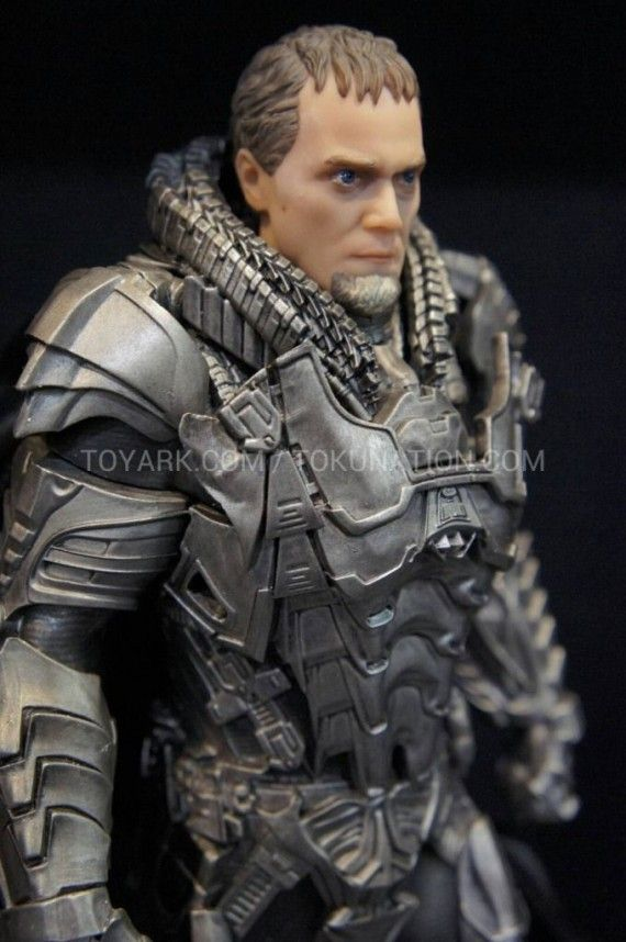 Man of Steel Zod Figure Armor 570x858 Man of Steel Zod Figure Armor