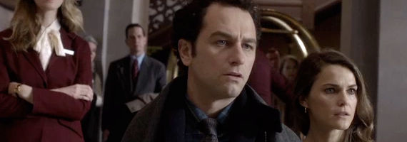 Matthew Rhys and Keri Russel lin The Americans In Control The Americans Season 1, Episode 4 Review – Cut Off Chickens