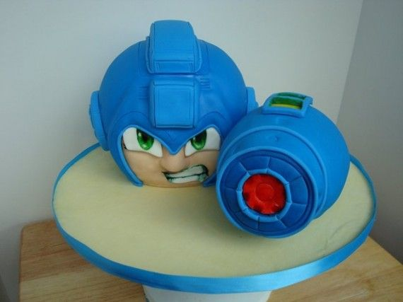 Mega Man Cake 570x427 SR Geek Picks: Comic Con Survival, Silver Linings Playbook Alternate Ending & More