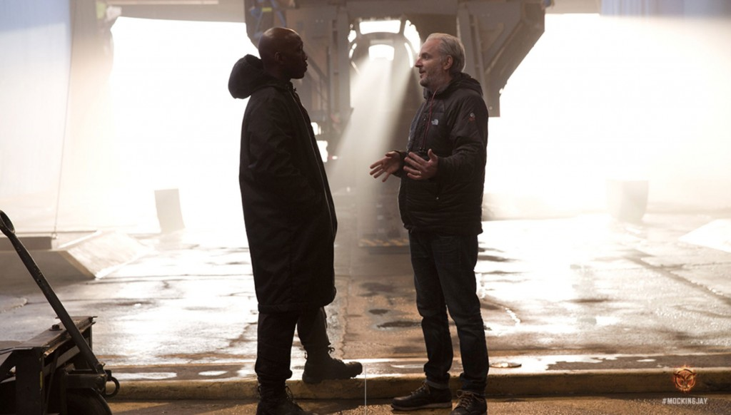 Mockingjay Part 1 Francis Lawrence on set 1024x582 Hunger Games: Mockingjay   Part 1: First Images, Digital Poster, and More