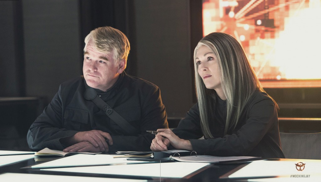 Mockingjay Part 1 Phillip Seymour Hoffman and Julianne Moore 1024x581 Hunger Games: Mockingjay   Part 1: First Images, Digital Poster, and More