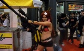 NYCC 2011 Cosplay Bikini Girl with Big Gun 280x170 NYCC 2011: Cosplay Babe Photo Gallery
