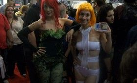 NYCC 2011 Cosplay Poison Ivy Leeloo 280x170 NYCC 2011: Cosplay Babe Photo Gallery