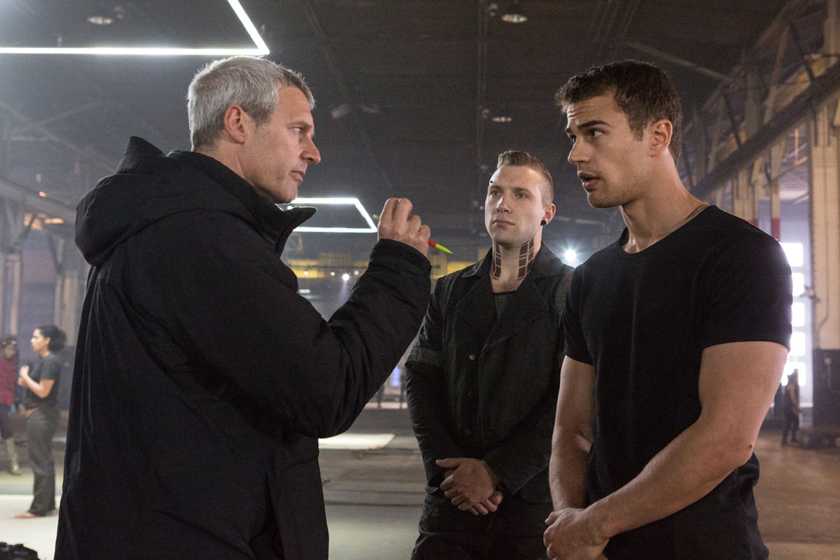 Neil Burger Jai Courtney and Theo James on the set of Divergent  Divergent Movie Image Gallery: Shailene Woodley Gets Tough