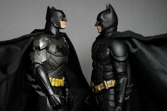 Nolan Batman vs. Snyder Batman 570x380 Batman vs. Superman Rumor: There Will Be Two Batman Costumes