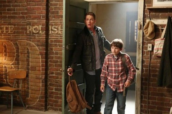 Once Upon a Time Season 2 Premiere Photos Henrys new home 570x380 JOSH DALLAS, JARED GILMORE