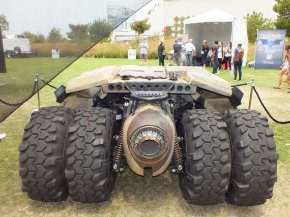Photo Jul 12 2 58 06 PM 570x427 Batmobile   Banes Tumbler (The Dark Knight Rises) Rear View   Comic Con 2012