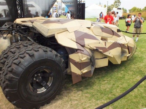 Photo Jul 12 2 58 15 PM 570x427 Batmobile   Banes Tumbler (The Dark Knight Rises) Rear Left View   Comic Con 2012