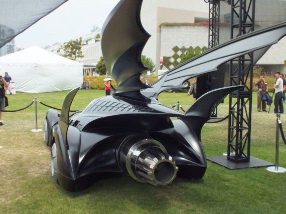 Photo Jul 12 3 09 28 PM 570x427 Batmobile   (Batman & Robin)   Comic Con 2012