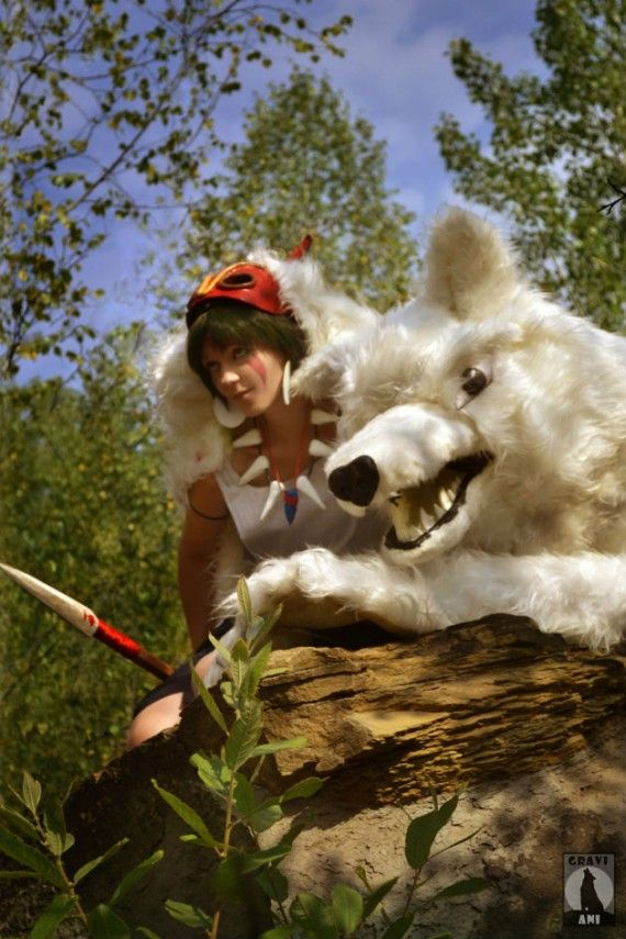 Princess Mononoke Cosplay 4 570x855 SR Geek Picks: Every Schwarzenegger Movie Scream, Bond vs. Mission: Impossible & More