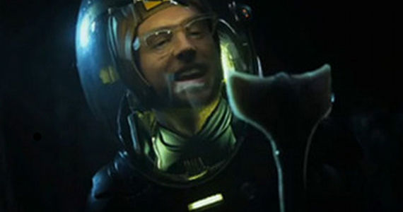 Prometheus Deleted Scenes Biologist Prometheus Deleted Scene Explains Snake Petting Biologist