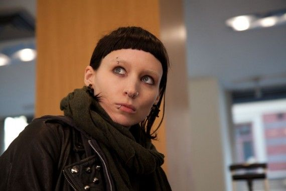 Rooney Mara as Lisbeth Salander in Girl With The Dragon Tattoo 570x380 Girl With The Dragon Tattoo   Rooney Mara as Lisabeth Salander