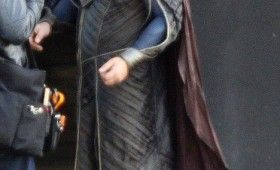 Russell Crowe Jor El Superman Man of Steel 280x170 Man of Steel Set Photos Reveal Russell Crowes Jor El Costume