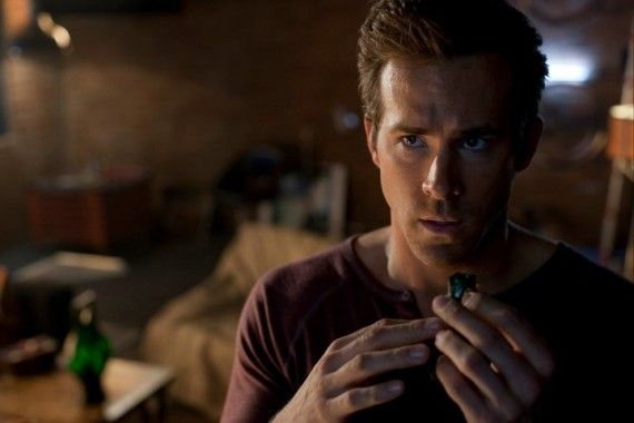 Ryan Reynolds Hal Jordan Green Lantern 570x3801 Green Lantern Trailer #2 Will Show Before Thor