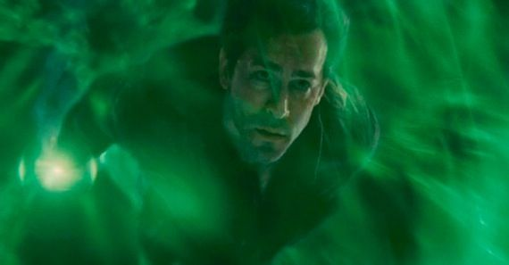 Ryan Reynolds as Hal Jordan in the Green Lantern movie Green Lantern Trailer #2 Will Show Before Thor