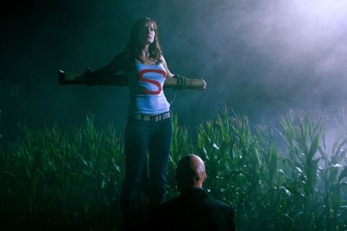 SM1001b 5490b Smallville Season 10 Premiere Pics Tease the Return of Lex Luthor