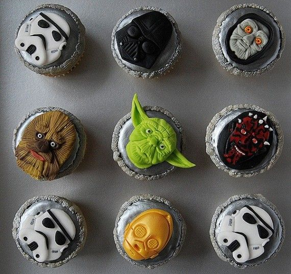 SW Cupcakes 570x537 SR Geek Picks: Avengers Weekend Hangover, Star Wars Cupcakes & More...