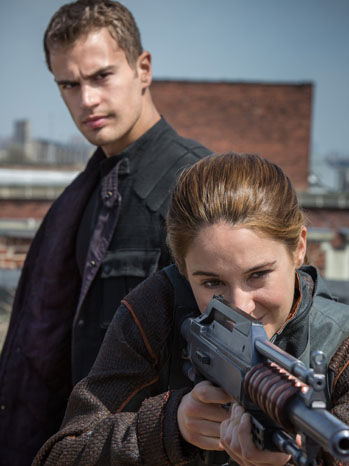 Shailene Woodley takes aim in Divergent  Divergent Movie Image Gallery: Shailene Woodley Gets Tough