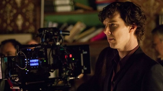 Sherlock season 3 set photo Benedict Cumberbatch 570x319 Sherlock season 3 set photo   Benedict Cumberbatch