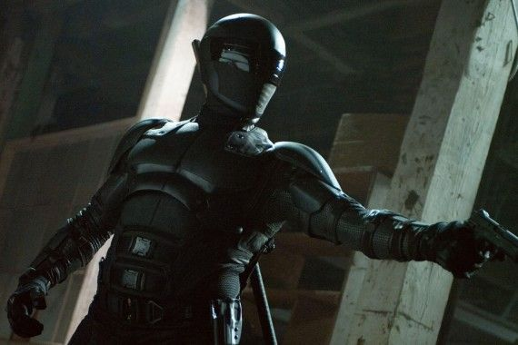 Snake Eyes in G.I. Joe 2 Retaliation  570x380 G.I. Joe: Retaliation Set Visit Preview: Gravity, Kung Fu, and Yo Joe!