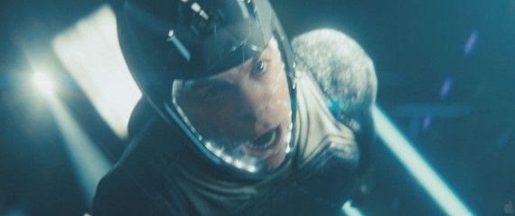 Star Trek Into Darkness Teaser Trailer Kirk Helmet Crack 570x239 Star Trek Into Darkness Teaser Trailer Kirk Helmet Crack