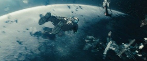 Star Trek Into Darkness Teaser Trailer Space Jetpack 570x239 Star Trek Into Darkness Teaser Trailer Space Jetpack