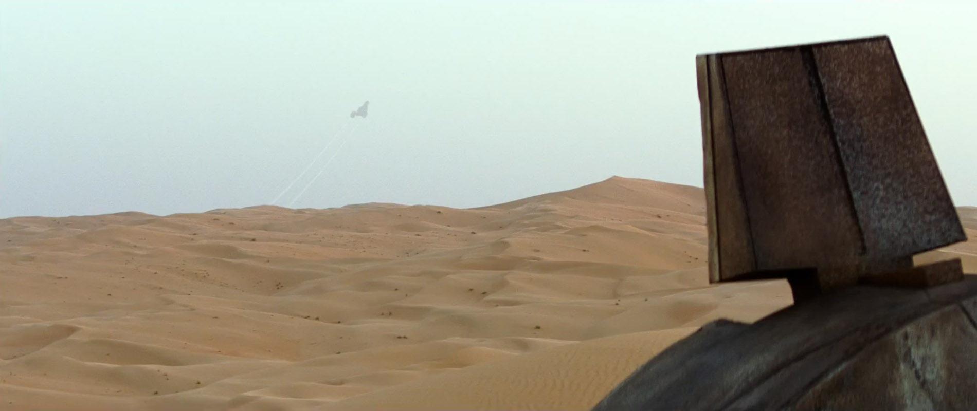 Star-Wars-7-Trailer-3-Rey-Views-Ship-in-