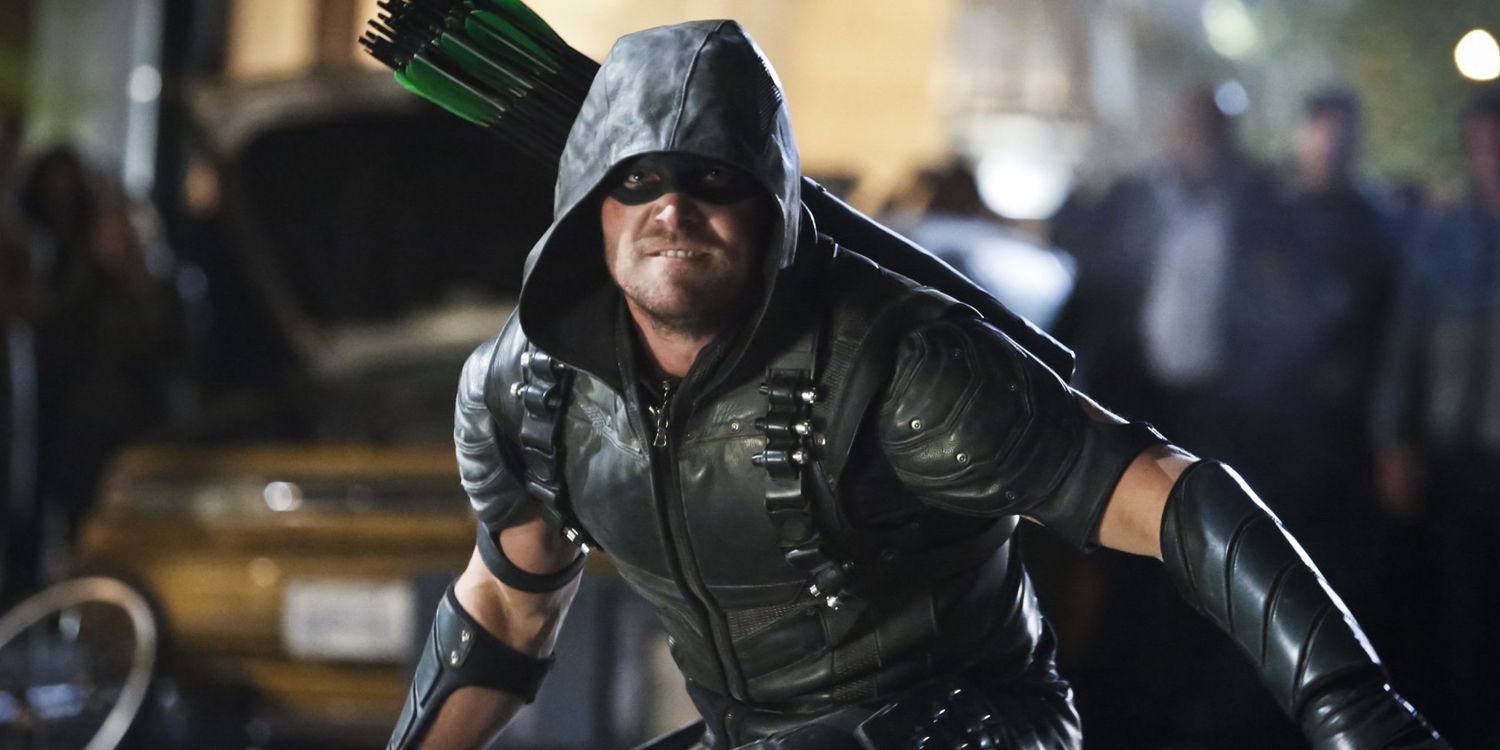 Stephen Amell as Green Arrow in Arrow Season 4 Episode 23