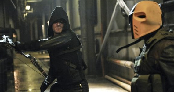 Stephen Amell as Oliver Queen in Arrow Season 1 Episode 21 Early Reactions to Gotham & The Flash; David Nutter Talks Directing Flash Pilot