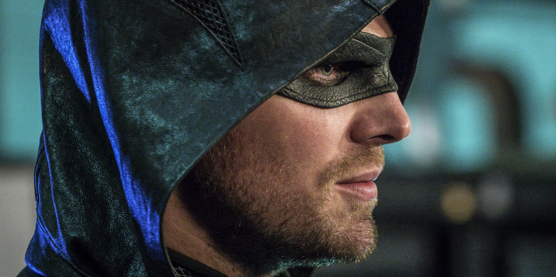 arrow stephen amell says season 5 refocuses �core mission