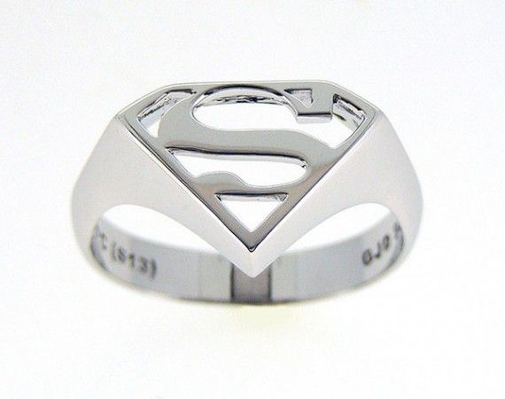 Superman Jewellery 570x450 SR Geek Picks: DC Heroes in Classic Painting, 12 Movies Like Wolf of Wall Street & More
