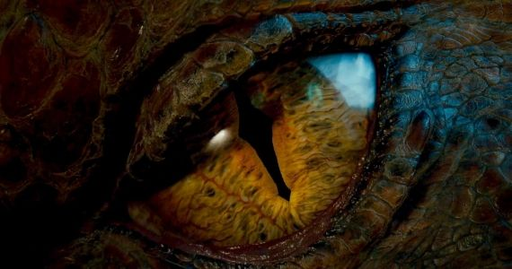 Our 10 Favorite Movie Dragons Smaug The Hobbit 2013 Flying