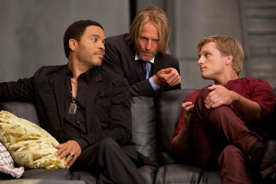 The Hunger Games Haymitch Cinna Peeta 570x380 The Hunger Games   Haymitch Cinna & Peeta