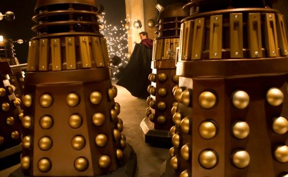 The Time of the Doctor Doctor and Daleks 570x350 Doctor Who Christmas Special Trailer & Images; Matt Smith is the Thirteenth Doctor