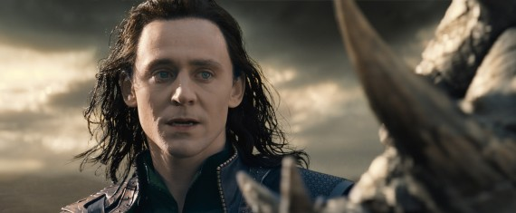 Thor 2 The Dark World Loki Closeup Kurse 570x235 Thor 2 Set Interview: Tom Hiddleston Laughs About Loki
