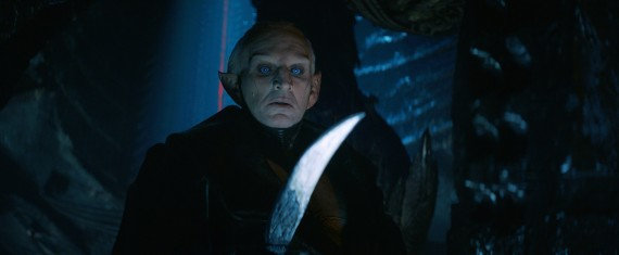 Thor 2 The Dark World Malekith Christopher Eccleston Face Closeup 570x235 Thor 2: Alan Taylor Compares Malekith to Star Trek Villain